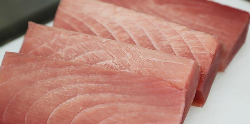 解凍された魚の赤身